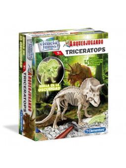Arqueojugando Triceratops...